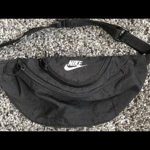 Nike vintage fanny pack